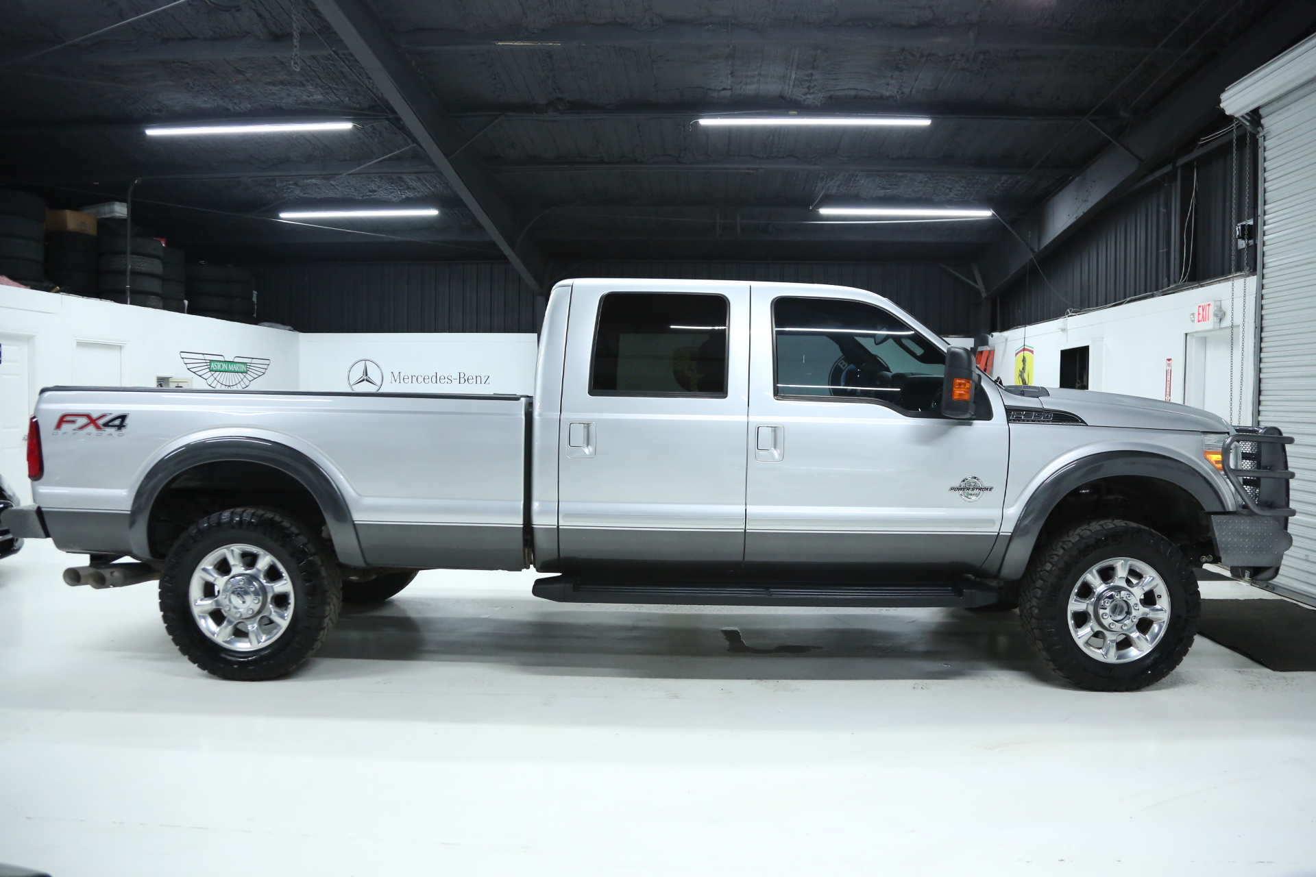 "2015 Ford F-350 LARIAT 4X4 SRW 6.7L Powerstroke Diesel 1-TON Crew Cab Long  Bed NAVIGATION 2"" Leveling Kit Bed Cover 139K MILES!"